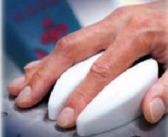 非観血的血糖測定器は採血が不要な血糖測定器