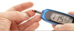 血糖値を測定するには貼るだけで良い